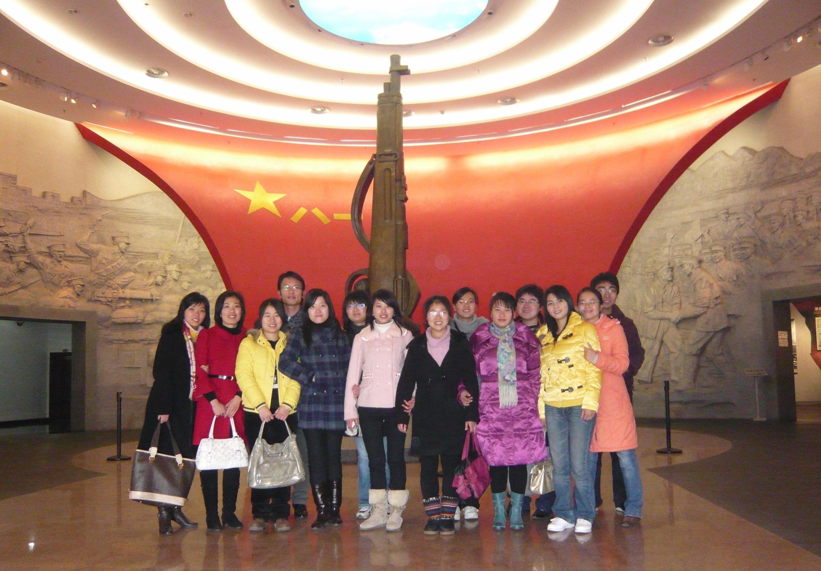 """我院学生代表前往""""八一""""起义纪念馆接受革命传统教育"""
