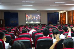 我校师生收听观看新中国成立70周年中央庆祝活动直播盛况