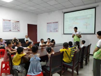 教育分院开展银北社区志愿者服务活动
