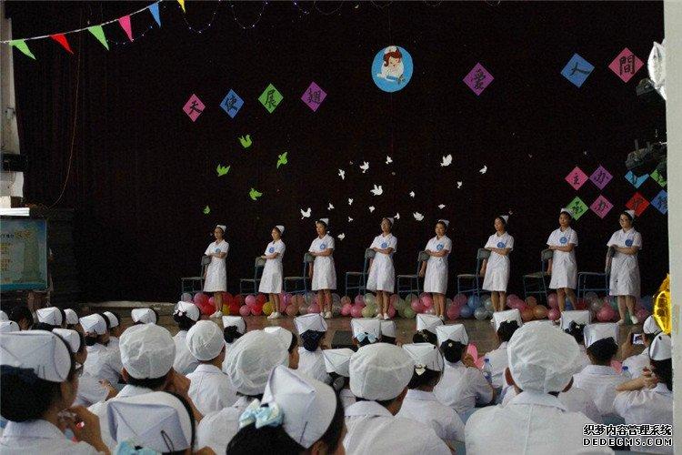 江西科技职业学院成功举办庆祝护士节暨护理礼仪大赛